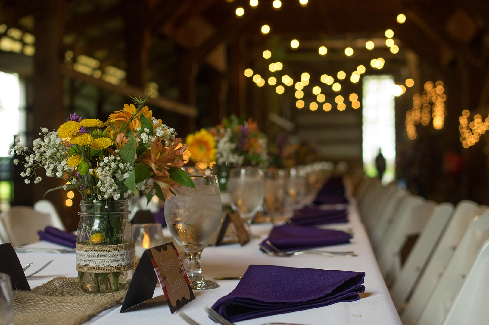 Four-Courses-with-the-Horses-table setting